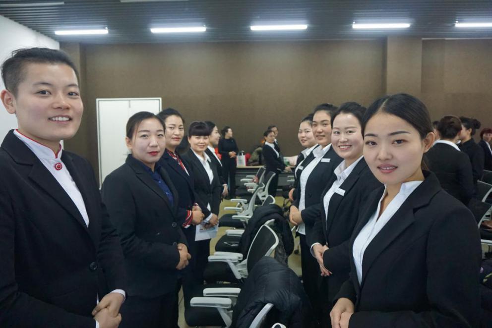 学员现场练习服务礼仪